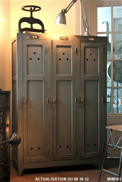 vestiaire d 39 atelier. Black Bedroom Furniture Sets. Home Design Ideas